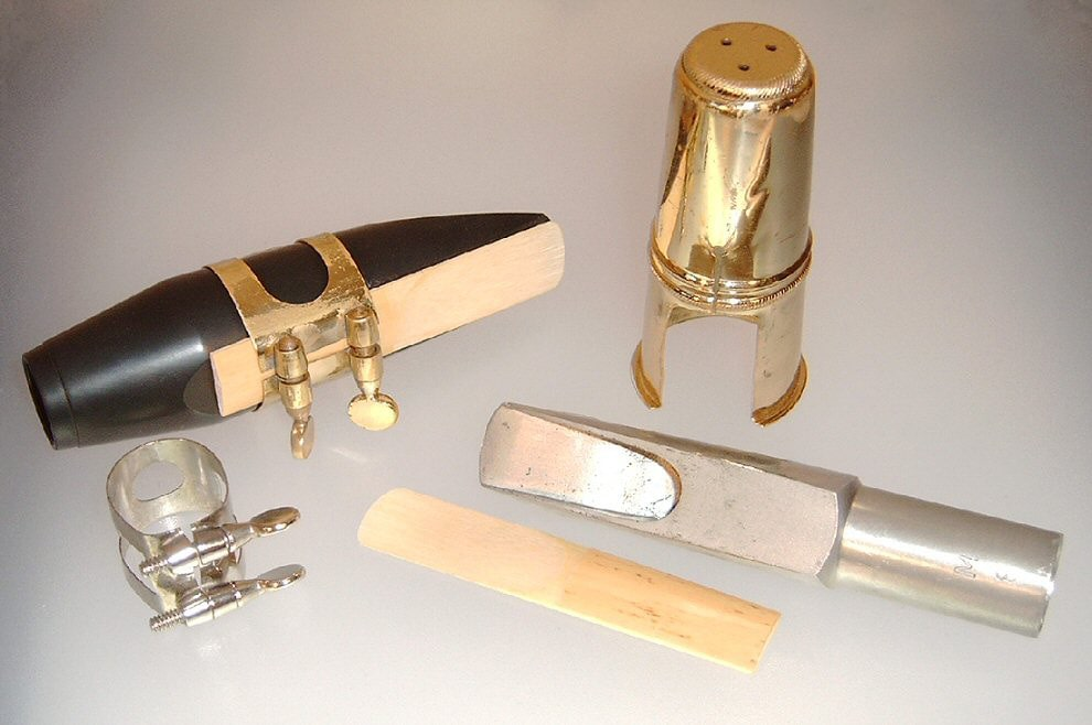 Beginners guide to Saxophone: Mouthpiece, Ligature, and Reed